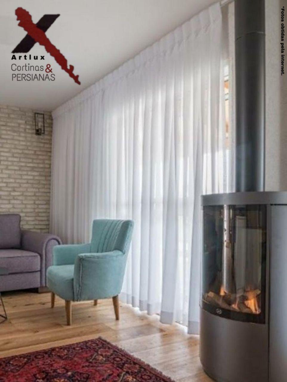 As cortinas devem ocupar apenas a janela ou a parede inteira?